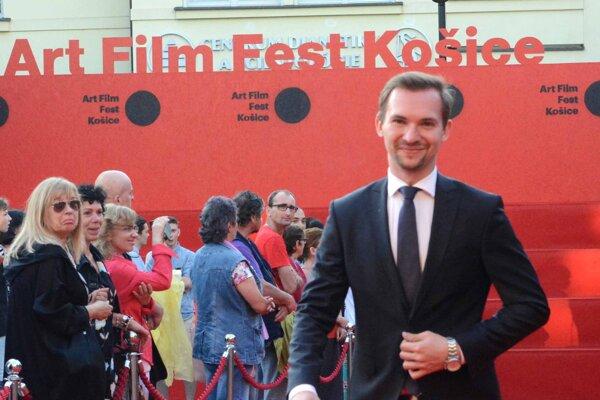 Košičan Dominik Bari študuje film v Londýne. S filmom o najchladnejšom obývanom mieste súťažil o Oscara.