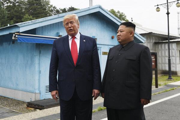 Americký prezident Donald Trump a líder KĽDR Kim Čong-un.
