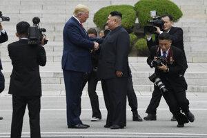 Americký prezident Donald Trump na stretnutí s vodcom KĽDR.