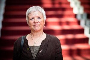 Amanda Howeová je všeobecná lekárka s takmer 35 ročnou praxou. Je svetovou líderkou v oblasti rodinnej medicíny. Vo svojej práci sa zameriava najmä na prehlbovanie profesionality a odolnosti lekárov, ako aj zlepšovanie bezpečnosti pacientov. bola členkou predstavenstva Kráľovskej spoločnosti všeobecných lekárov, predsedala Britskej spoločnosti pre Akademickú primárnu starostlivosť a medzi rokmi 2016 až 2018 bola prezidentkou Svetovej organizácie rodinných lekárov.