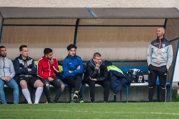 Ondrej Desiatnik (vpravo) po dvoch sezónach skončil v Šarišských Michaľanoch.