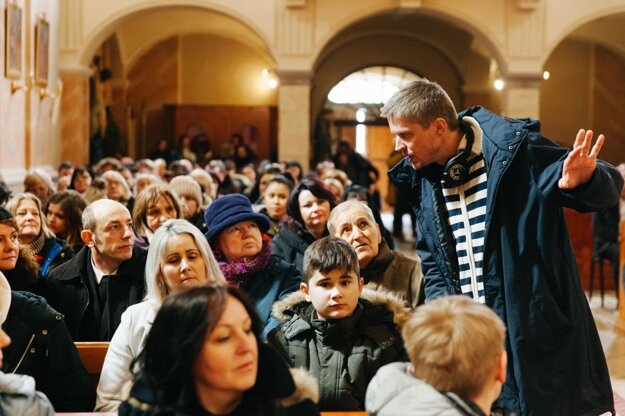 Marko Škop pri nakrúcaní filmu Nech je svetlo.