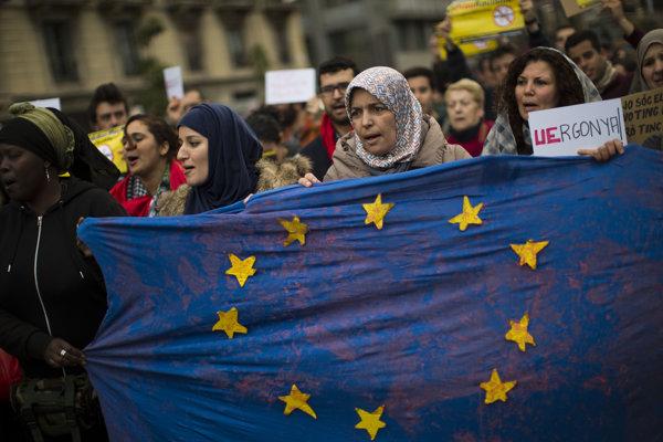 Demonštrácia na podporu utečencov v Barcelone.