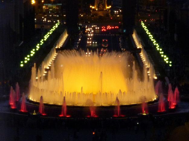 Romantiku v Barcelone po západe slnka hľadajte napríklad pri Magickej fontáne Montjuic.