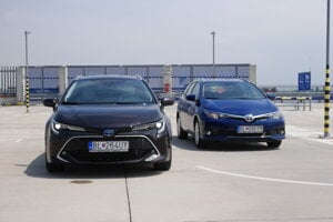 Toyota Corolla vs. Auris Touring Sports