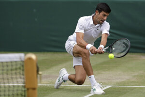 Novak Djokovič vo finále Wimbledonu 2019.