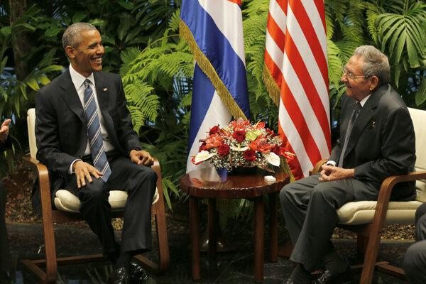 Barack Obama a Raúl Castro.