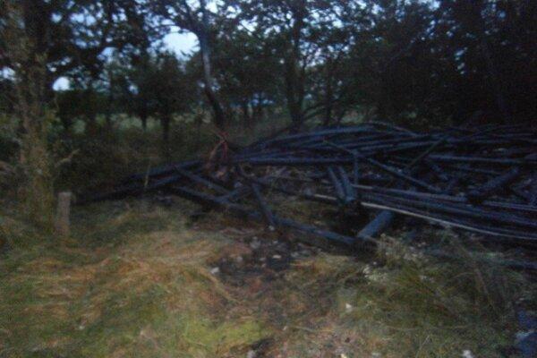 Drevenica zhorela do tla.