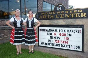 Seniorky Lúčnice boli spolu s mladými tanečníčkami z folklórneho súboru Dolina aj na zájazde v Spojených štátoch.