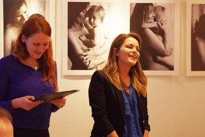 Autorka fotografií (vpravo) s Ivou, ktorá prišla s nápadom.