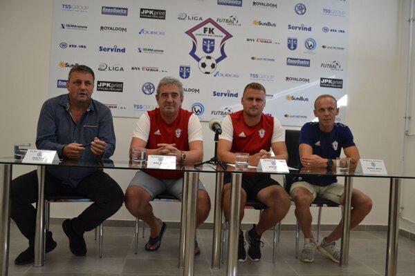 Zľava Peter Švec, Peter Gergely, Peter Jakuš, Dalibor Pleva.