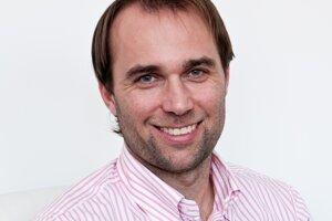 Karel Chába sa už dvanásť rokov venuje partnerskému poradenstvu.