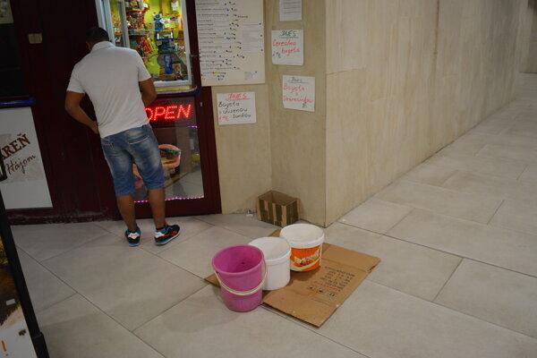 Pri dažďoch sa opakovane objavuje problém so zatekajúcim podchodom.