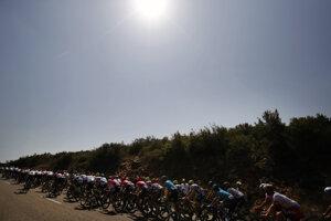 Pelotón počas 16. etapy Tour de France.