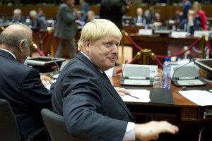 Johnson v Bruseli žil, pracoval a chodil tam ako minister. Teraz sa vráti ako premiér.