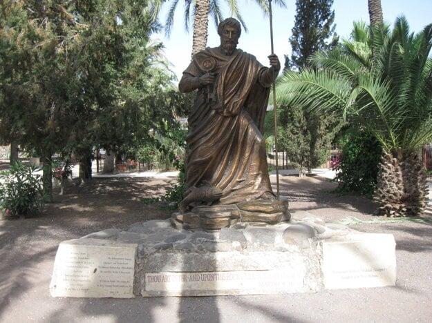 Socha sv. Petra v Kafarnaume.