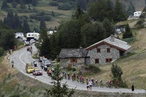 Cyklisti počas 19. etapy na Tour de France 2019.