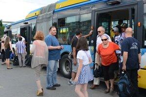 Cestovné košickej mestskej hromadnej dopravy sa zvýši vpriemere o46 percent.