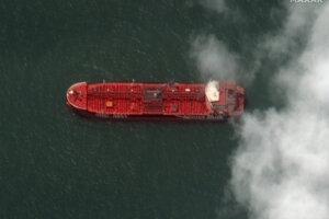 Irán zadržal už skôr vo vodách Hormuzského prielivu ropný tanker Stena Impero.