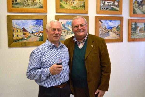 Obrazy pochádzajú aj zo zbierky Jána Procnera (vpravo).