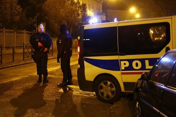 Razia prebehla na parížskom predmestí.