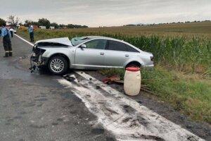 Nehoda sa stala medzi Nitrou a Vrábľami.