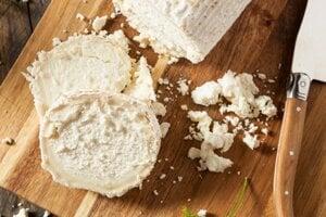 Z kozieho syru možno získať zhruba polovicu dennej dávky vitamínu A.