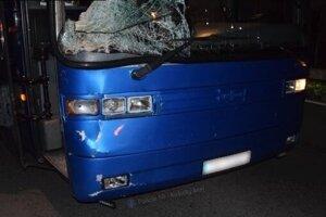 Autobus po zrážke.