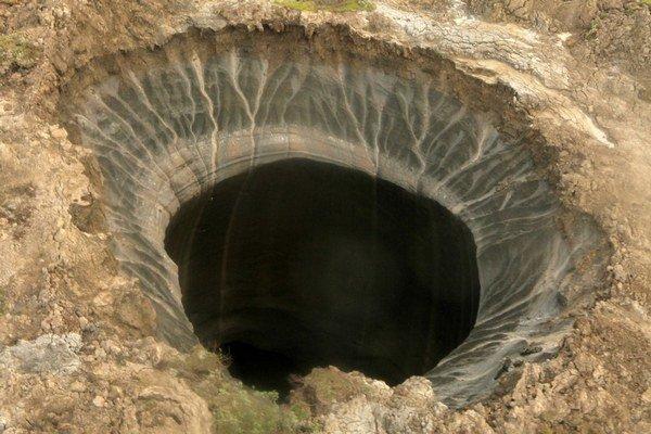 Kráter na polostrove Jamal objavený v polovici júla.