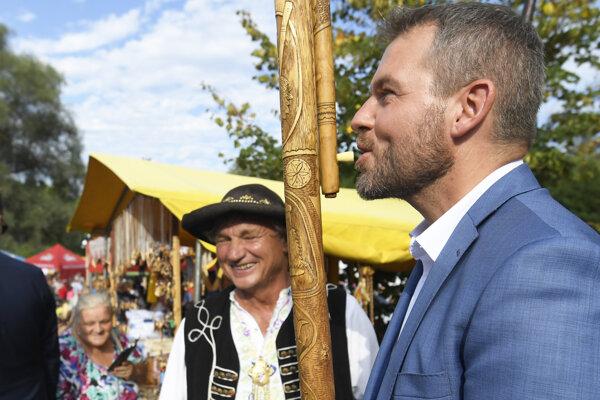 Predseda vlády SR Peter Pellegrini si zahral na fujare.