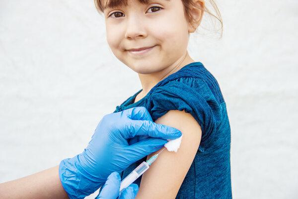 Prečo pribúdajú prípady nezaočkovaných ľudí, keď veda ukazuje, že očkovanie neškodí?