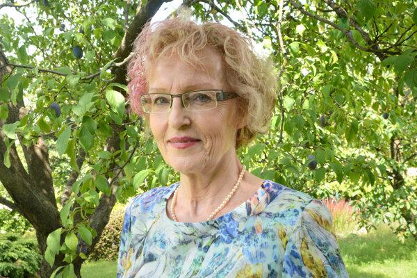 Sexuologička Danica Caisová je bývalá predsedníčka Slovenskej sexuologickej spoločnosti a súdna znalkyňa. Popri práci v ambulancii lieči odsúdených deviantov vo väznici v Košiciach.