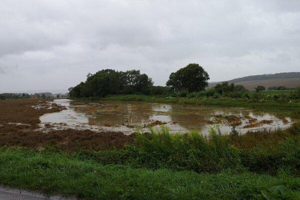 Zaplavené polia pri Finticiach.