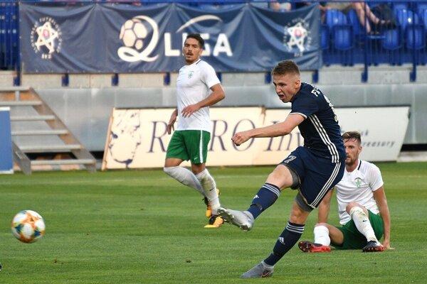 Za Poprad nastupuje pravidelne iba 18 - ročný Tibor Slebodník.