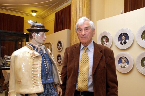 Ignác Bizmayer na výstave svojich diel v Slovenskom národnom múzeu v roku 2007.