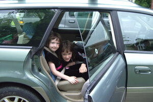Deti v aute