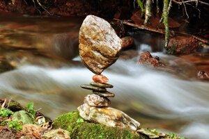 K riekam si zvykne nosiť svoje kamene, aby neškodil živočíchom, ktorí potrebujú tie pôvodné riečne.
