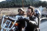 Peter Fonda, v popredí, a Dennis Hopper vo filme Easy Rider.
