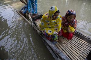 Väčšina obetí sa utopila alebo zahynula pri zrútení domov a zosuvoch pôdy.
