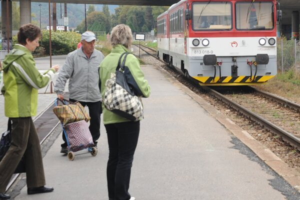 Na úseku medzi Žilinou a Rajcom jazdia takéto vlaky.