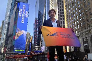 Javier Bardem vyzýva svetové spoločenstvo na účinnú ochranu oceánov.