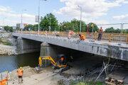Rekonštrukcia mosta prinesie masívne dopravné obmedzenia nielen v meste, ale aj v blízkom okolí.