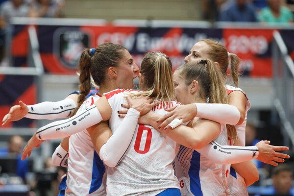 Slovenské volejbalistky počas zápasu proti Švajčiarsku na ME.