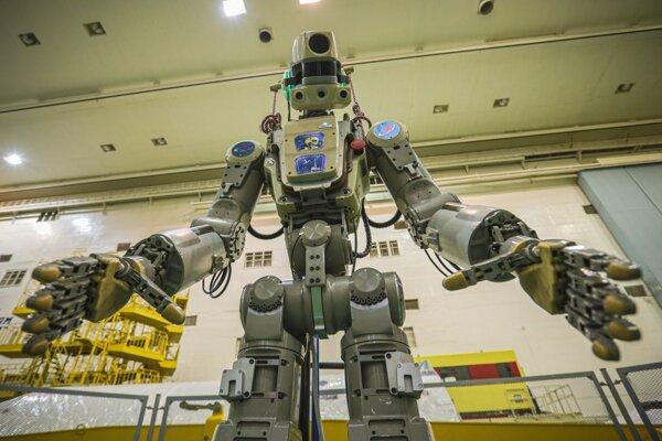 Robot v životnej veľkosti Skybot F-850 dostal meno FEDOR.