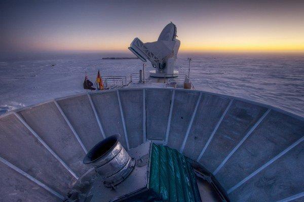 Vedci majú svoje citlivé detektory na polárnej stanici v Antarktíde.