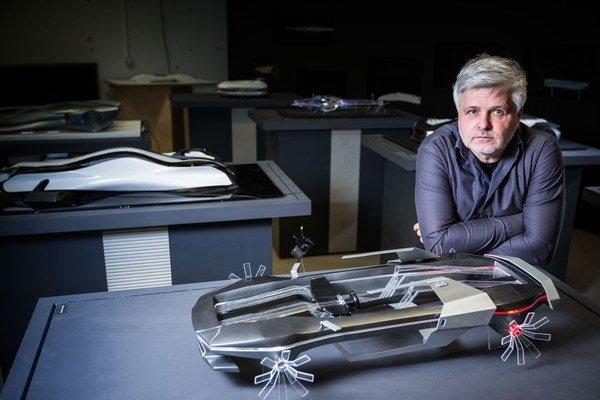 Štefan Klein - vynálezca a dizajnér aeromobilu.