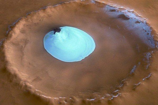 Voda je na Marse nielen na póloch, ale aj bežne v pôde.
