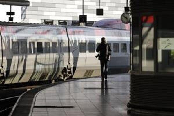 Španielska vláda chce pre ceny ropy motivovať ľudí k využitiu železníc.