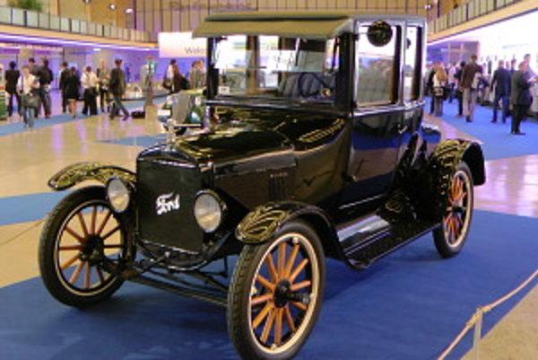 """Ford T alebo """"Lizzy"""" medzi míľniky histórie rozhodne patrí. Michelin Bibendum ponúkol pohľad do histórie aj budúcnosti."""