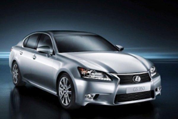 Lexus GS prišiel o jeden zo svojich typických znakov - štyri hlavné predné svetlomety.